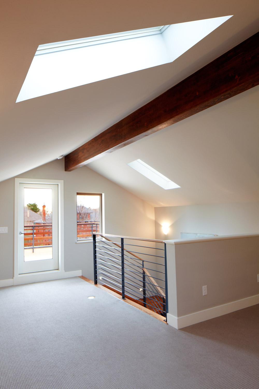 Race - modern duplex denver loft