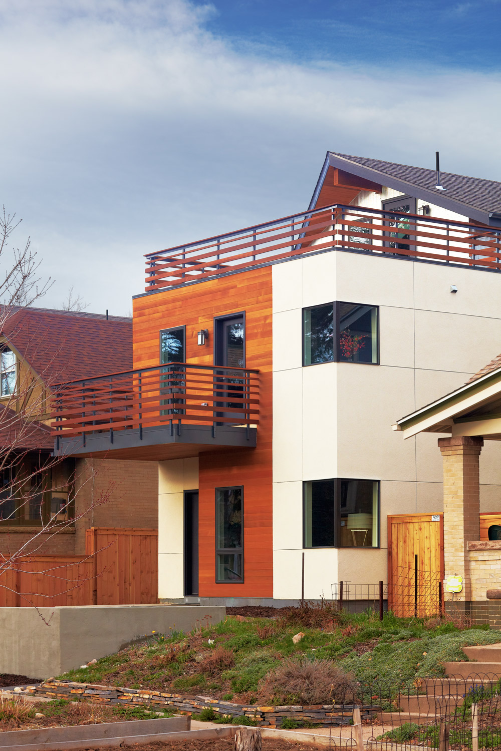 Race - modern duplex denver wood stucco